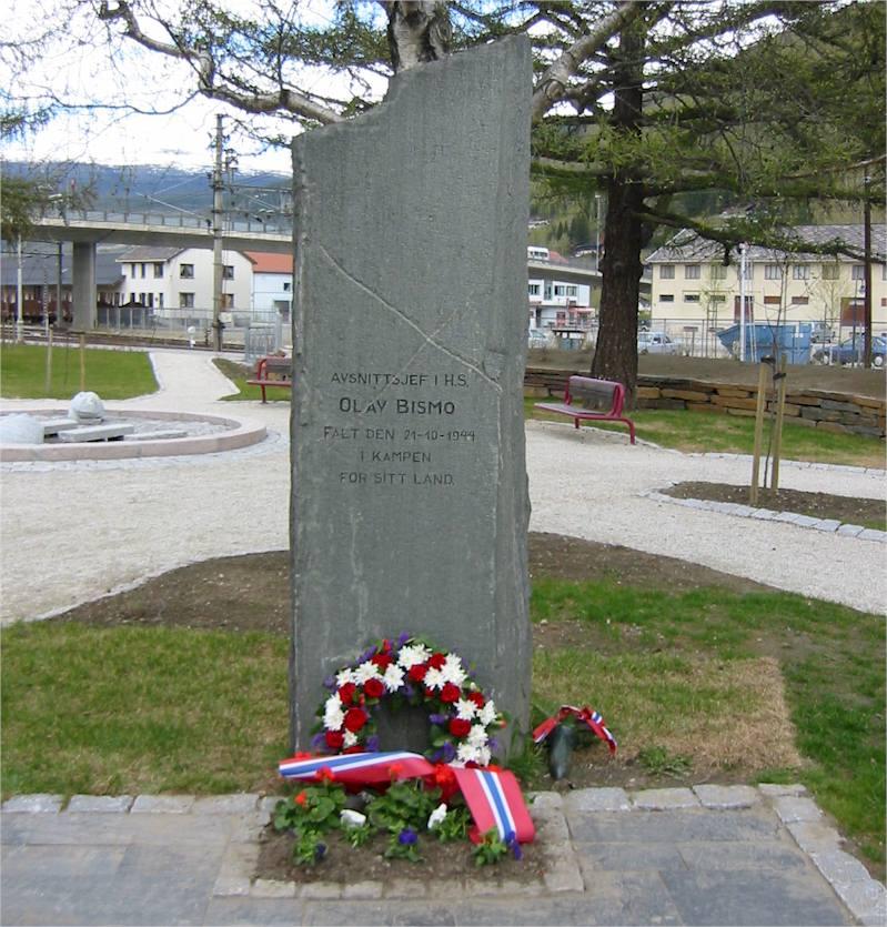 Olav Bismos minnestein i Stasjonsparken på Otta